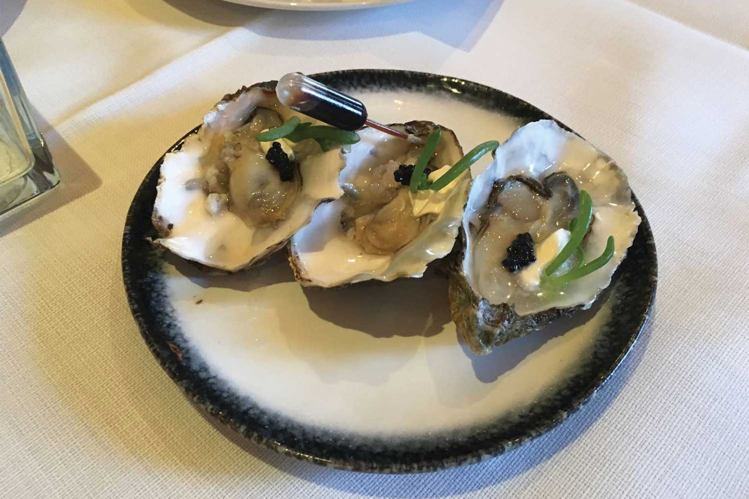 oysters infusion white plate